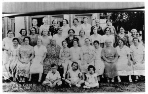 1933-mothers-weekend-vintage