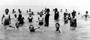 1922swimming